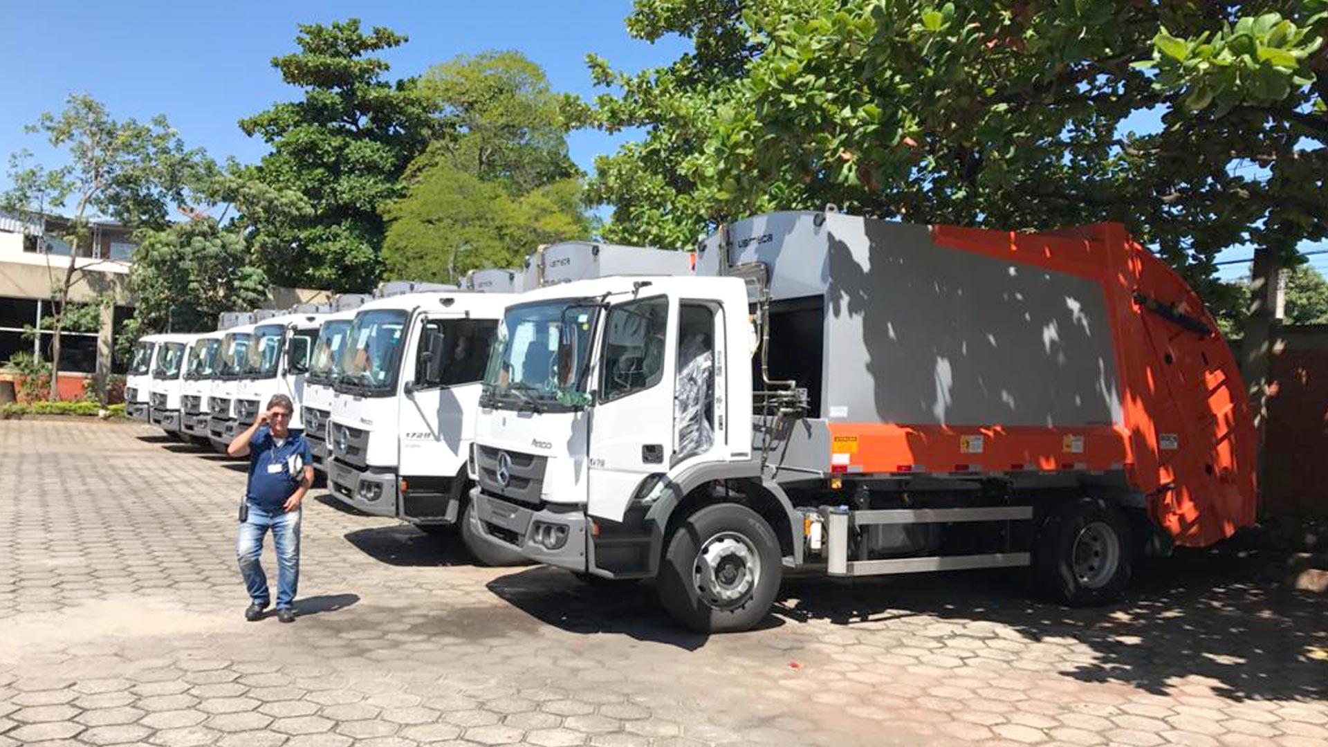 Caminhões de lixo
